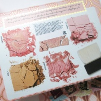 Benefit Blush Bar Bronzer & Rouge Palette Foto
