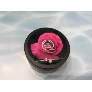 The Body Shop British Rose Body Scrub Peeling Foto