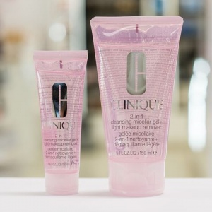 CLINIQUE 2-in-1 Cleansing Micellar Gel & Light Makeup Remover Make-up Entferner Foto