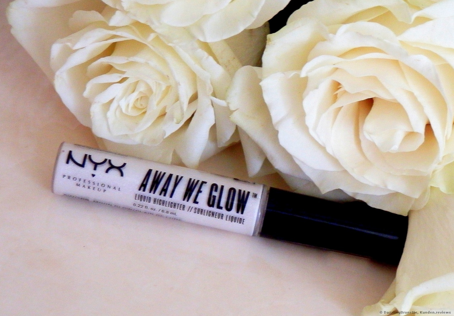 NYX Away We Glow  Highlighter Foto