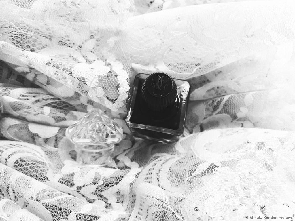 Guerlain La Petite Robe Noire Nail 007 Black perfecto