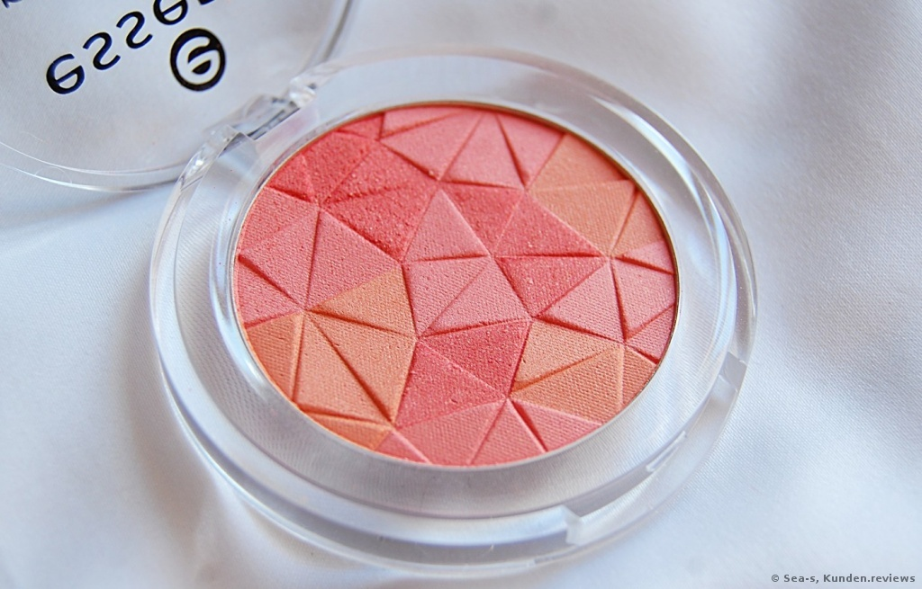 Essence Mosaic Blush in #10 miss floral coral
