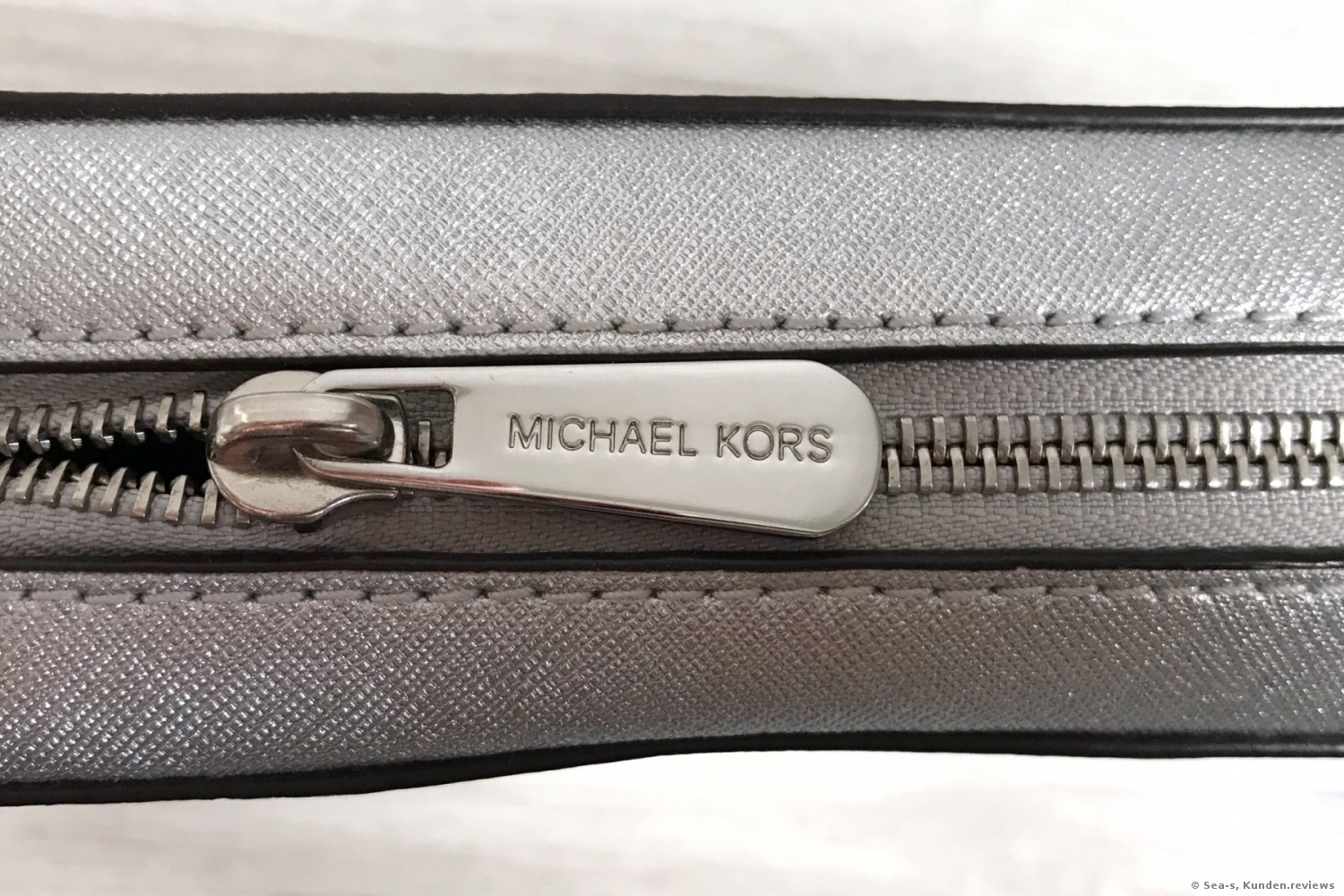 Michael Kors Jet Set Travel Large Metallic Leather Crossbody Damenhandtaschen Foto