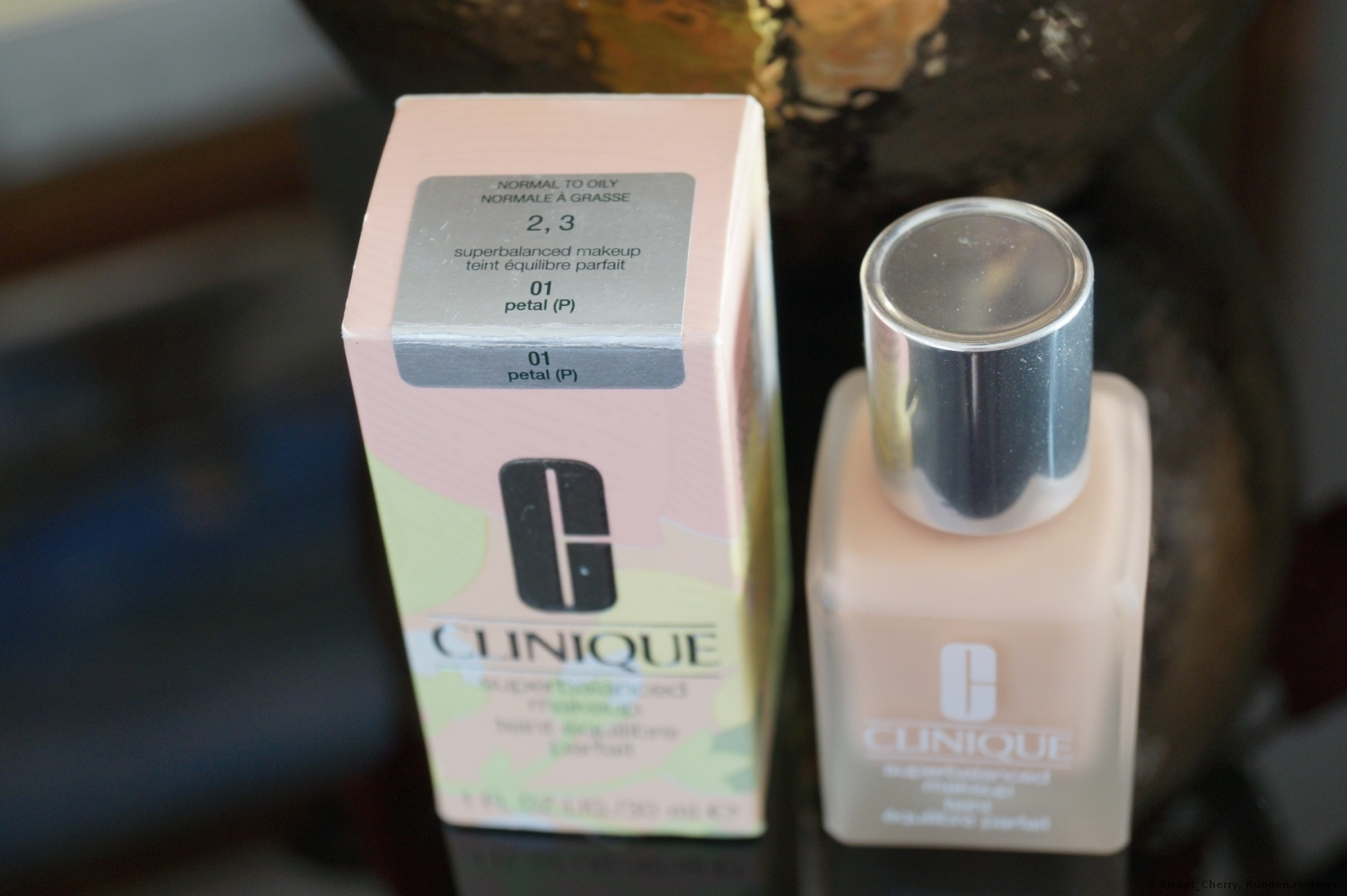 CLINIQUE  Superbalanced Makeup Foundation Foto