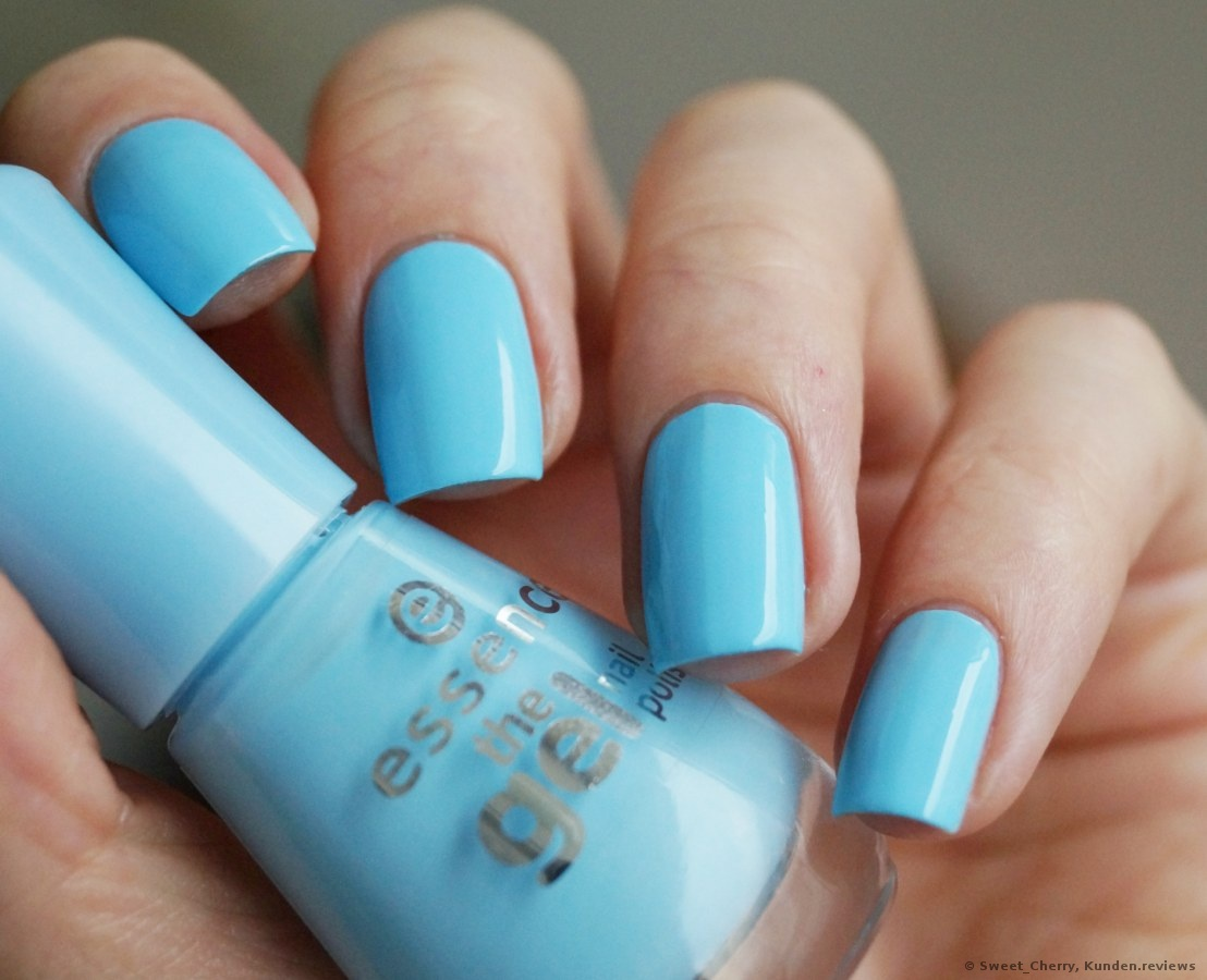 Essence the gel nail polish # 39 blue bubble di blue