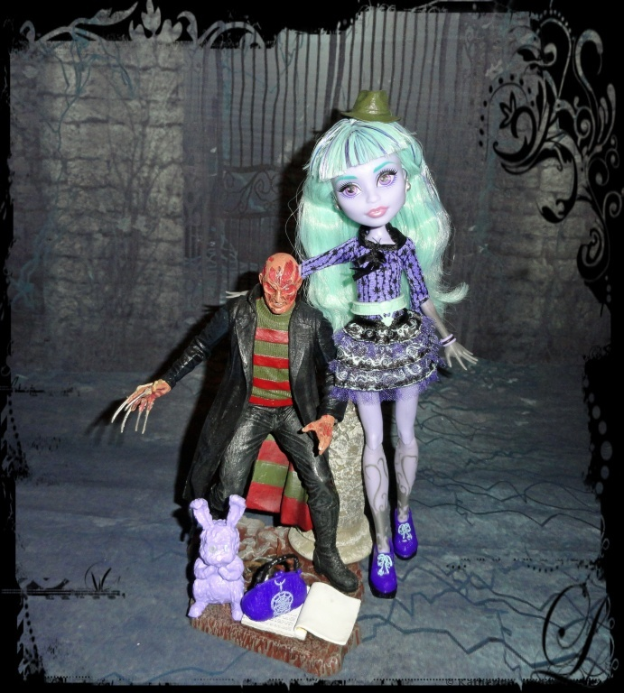 Mattel Monster High BBJ99 - 13 Wünsche Twyla Puppe