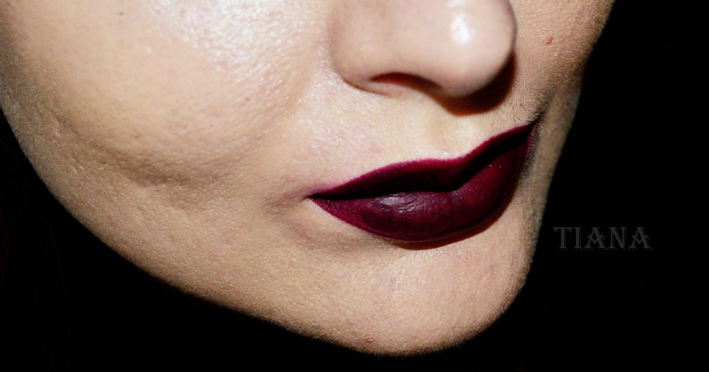 Sleek Eyeliner Eau La La Venom + Sleek in Farbnuance Vino Tinto