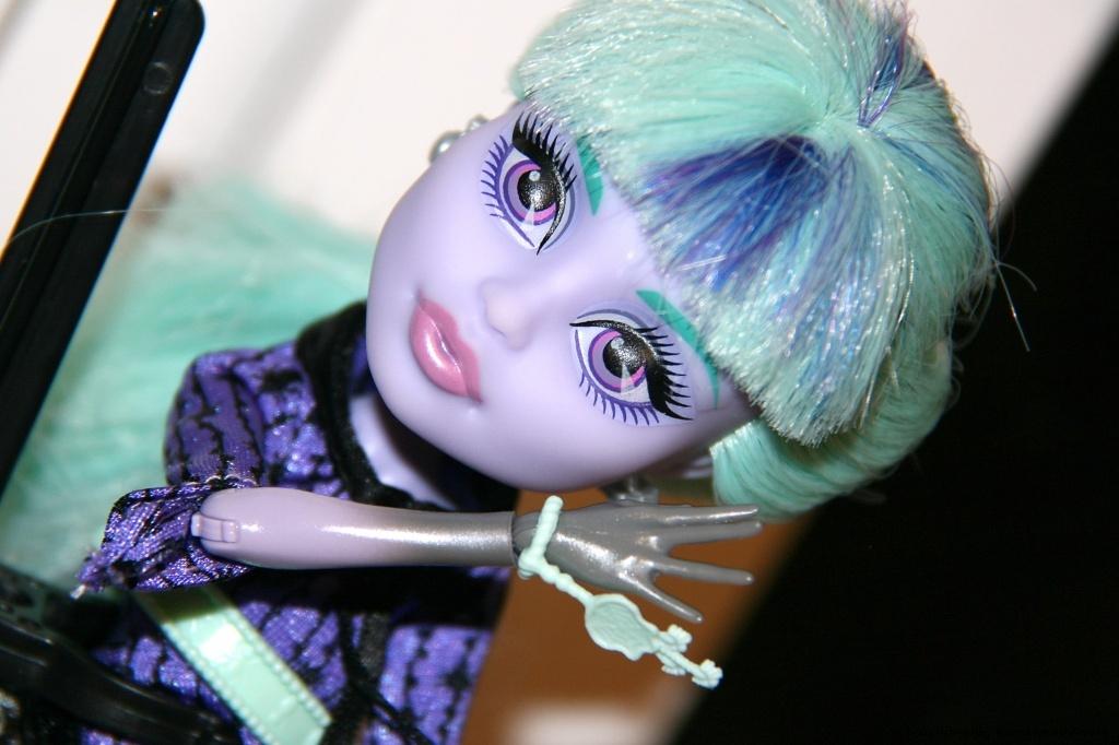 13 Wünsche Twyla Puppe