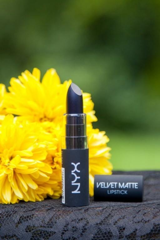 NYX Velvet Matte Lippenstift Foto