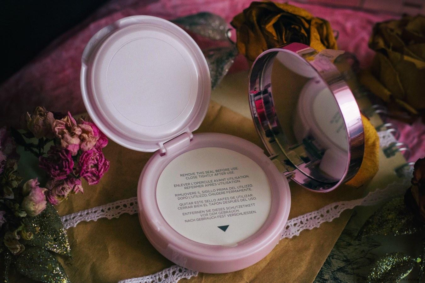 L'Oreal Nude Magique Cushion  Foundation Foto