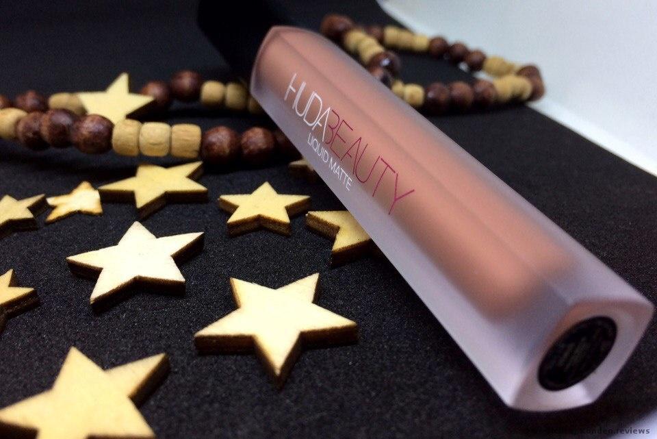 Huda Beauty Liquid Matte Lippenstift Foto