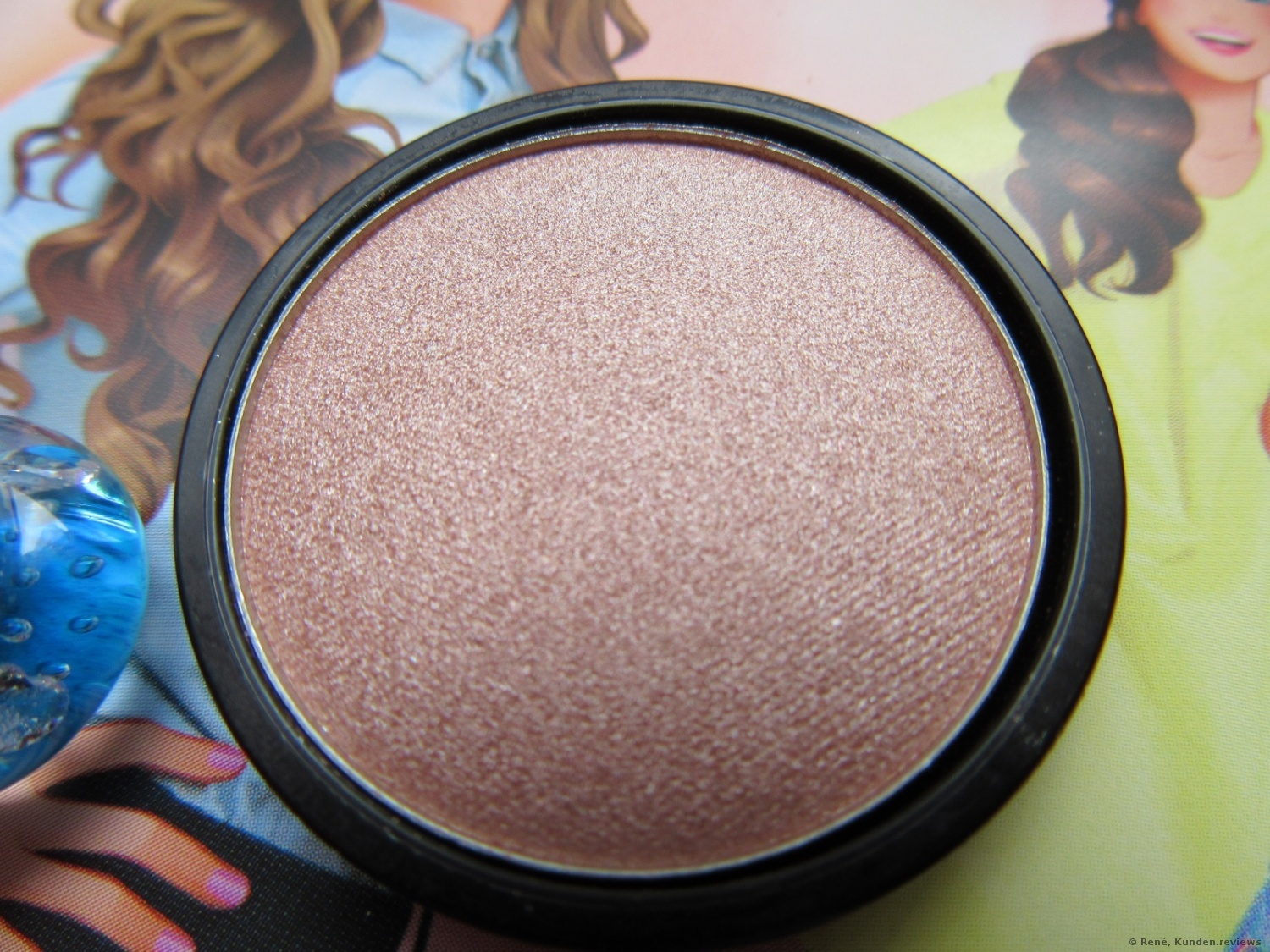 essence My Must Haves Eyeshadow  # 08 peach-party!