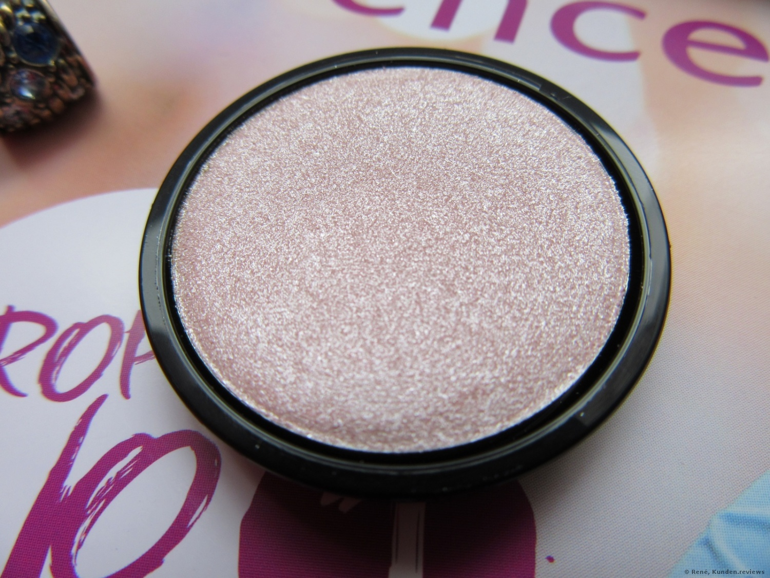 essence My Must Haves Eyeshadow # 05 cotton candy