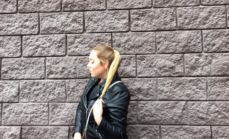 Loreal Serie Expert Shine Blonde Shampoo