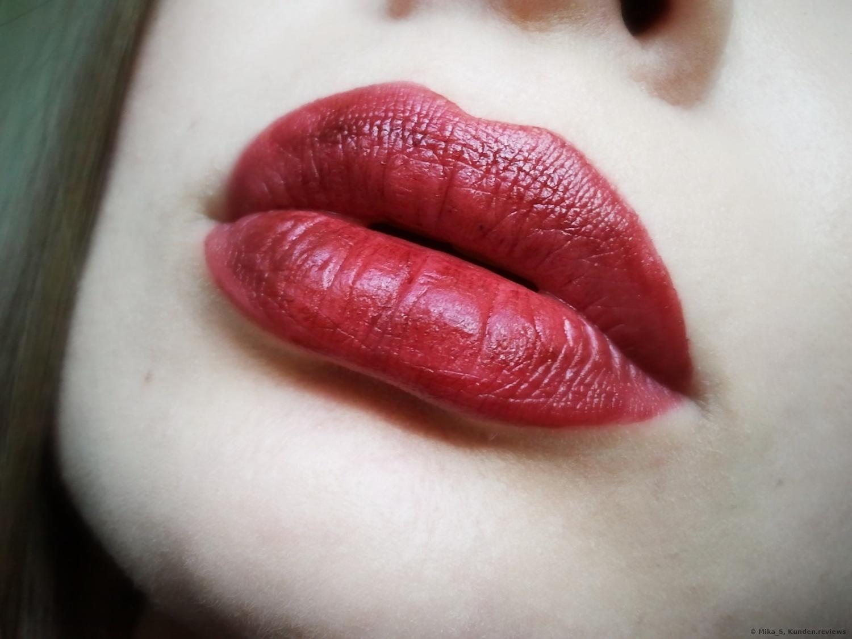 Essence Vibrant shock lip paint - 03 Red viper