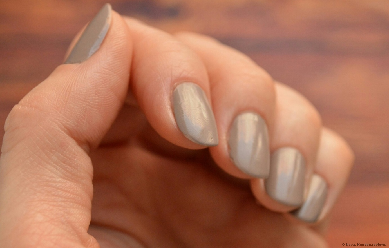 nach 5 Tage  Catrice Nagellack ICONails # 27 Lana del Grey