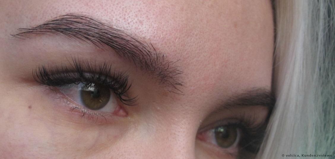 mit Augenbreuenliner