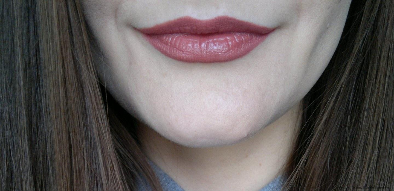 Nuance 52 Praline. Der Lippenstift + Lippenkonturenstift