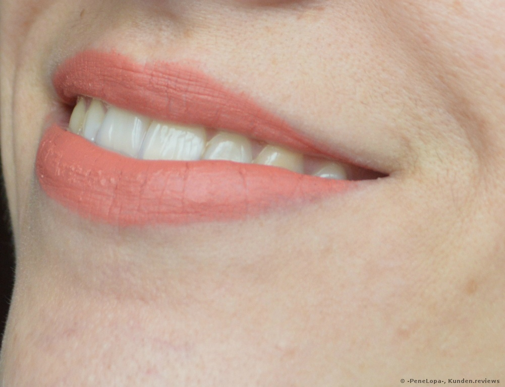 NYX SUPER CLIQUEY SATIN MATTE LIPSTICK Lippenstift Foto