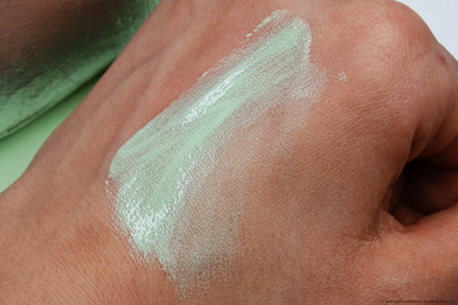 L'Oréal Paris Infaillible Anti Redness Primer Foto