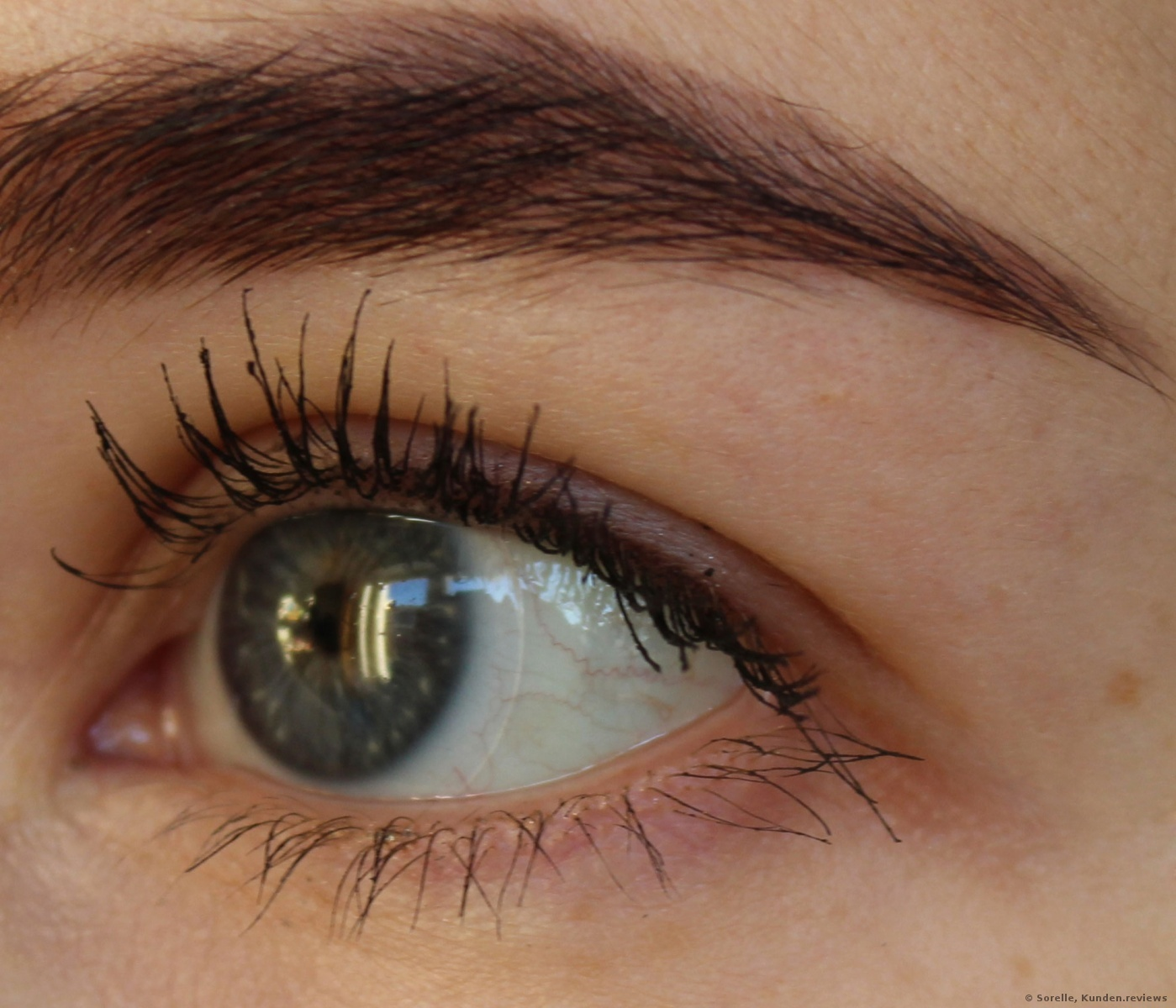 zwei Schichten Giorgio Armani Eyes to Kill Mascara