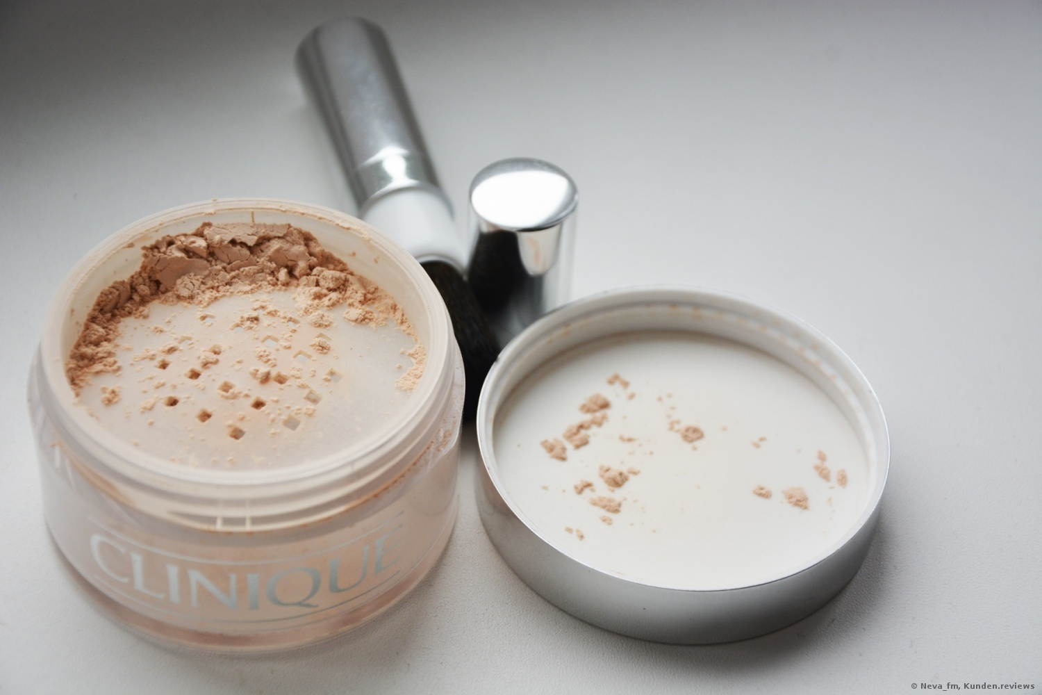 Clinique Puder Blended Face Powder and Brush