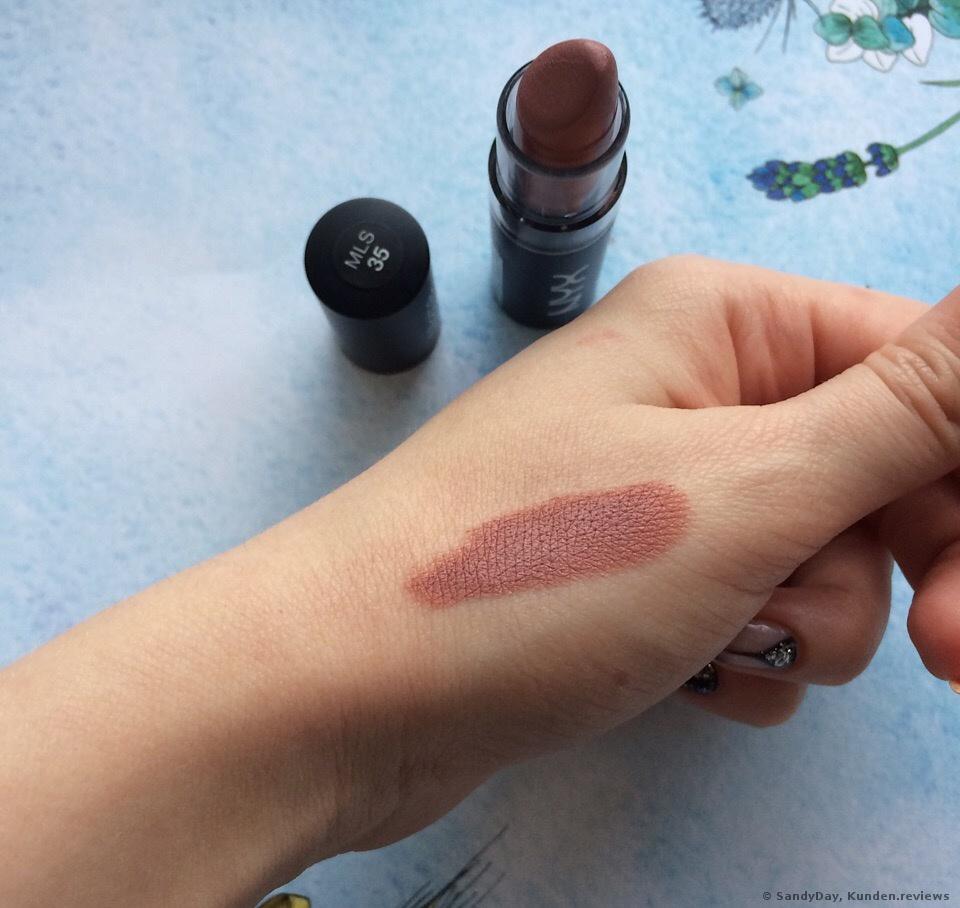 NYX Matte Lipstick 35 bei Tageslicht