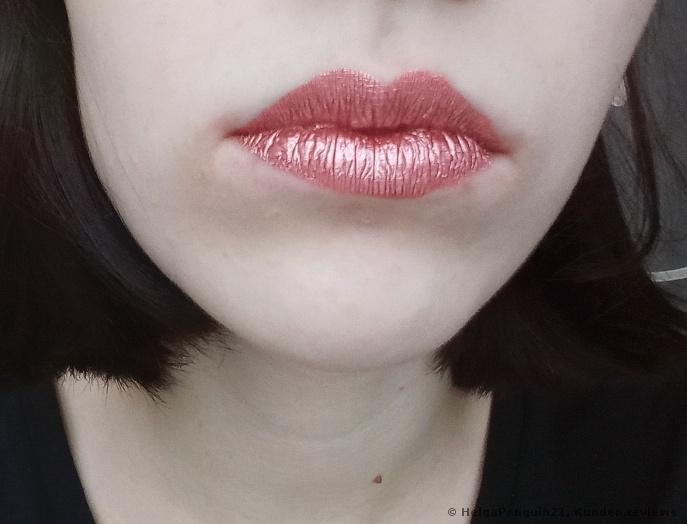 Melted Chrome Liquid Lipstick Essence 02 Rosie Goldie