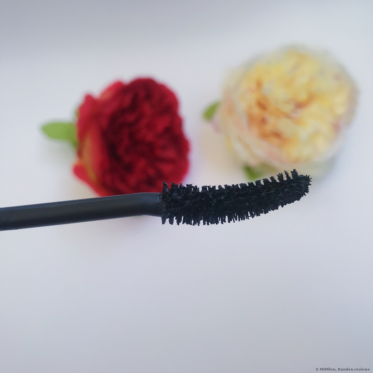 Lash princess sculpted volume mascara Essence